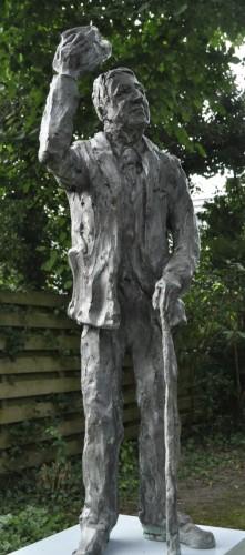 GROETENDE MAN ,Brons 74 cm